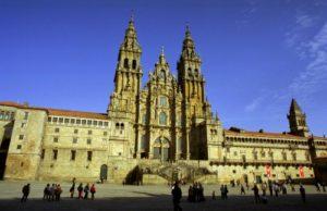 Plaza del Obradoiro y fachada barroca de la catedral (fotografía cedida por Turismo de Santiago)