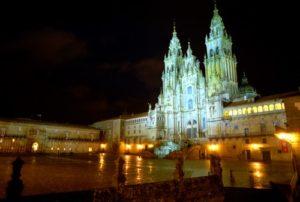 Plaza del Obradoiro de noche (fotografía cedida por Turismo de Santiago)