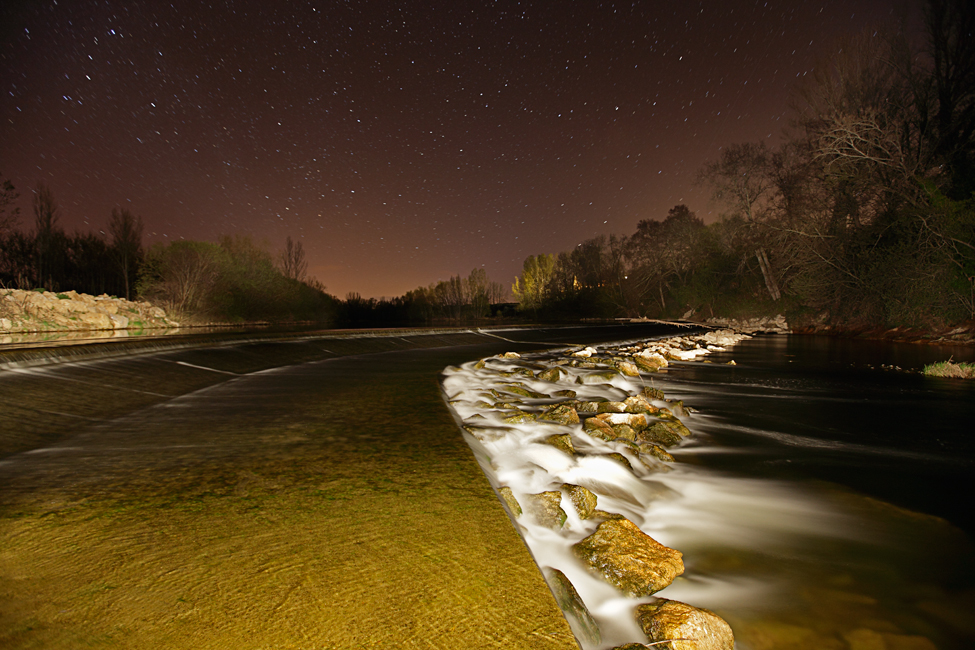 Star-filled night in Orbigo River