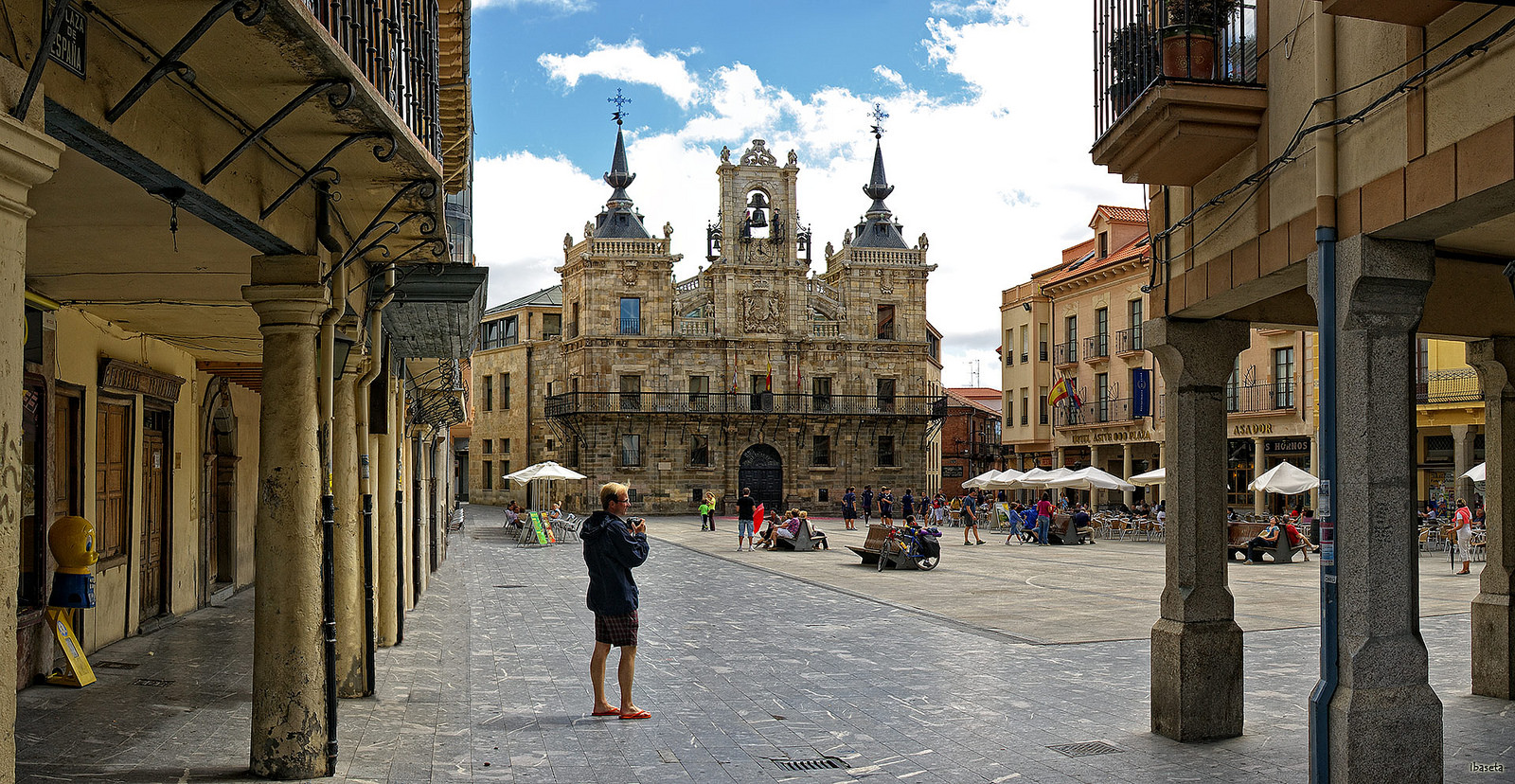 City Council of Astorga with a lot of pilgrims