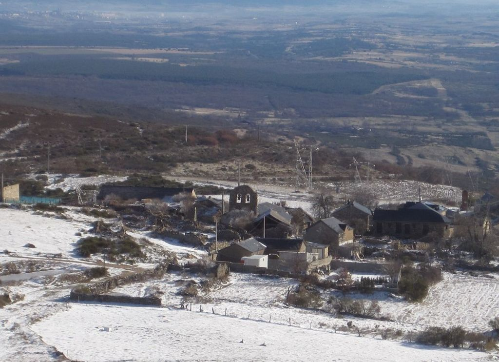 Foncebadón's view in Winter. All the village snowed