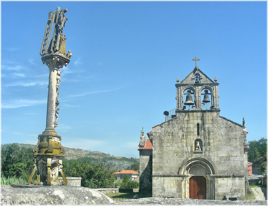 Cruceiro de O Hío, in baroque style and one of the most famous in Galicia