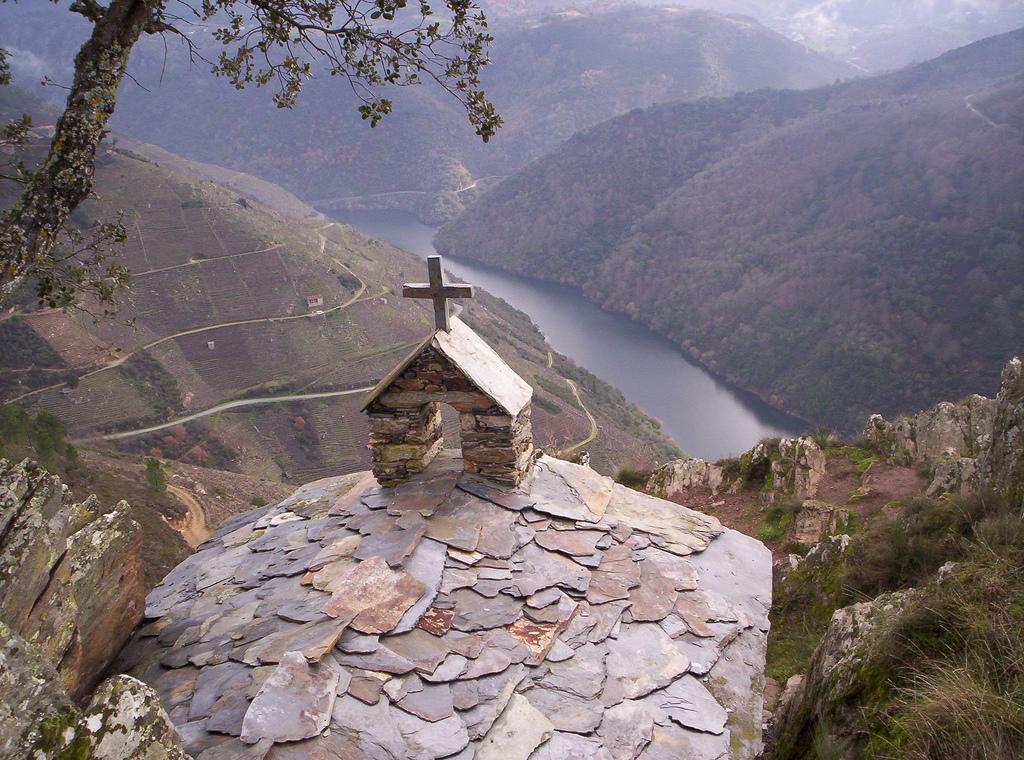 Ermita situada en la Ribeira Sacra entre los cañones del río Sil