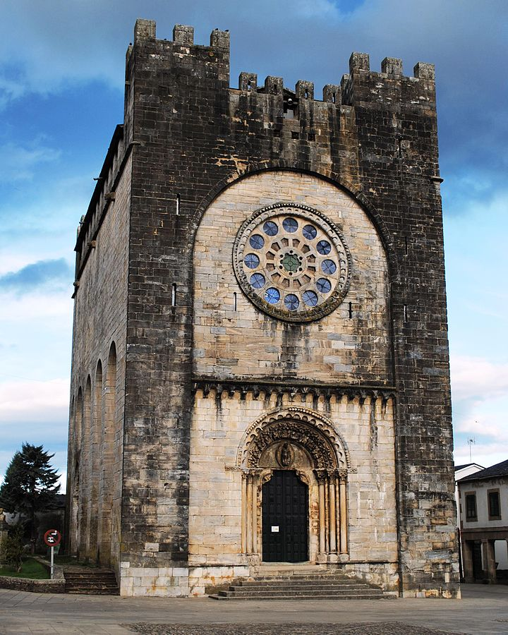 Entrance to the Church of San Nicolás in Portomarín