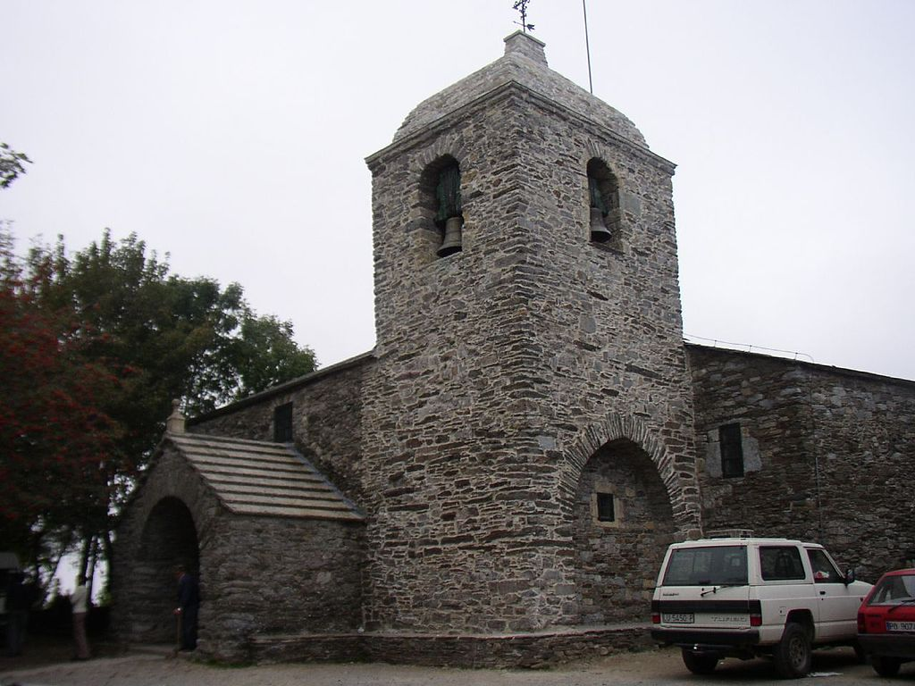 Iglesia de Santa Maria la Real in O Cebreiro