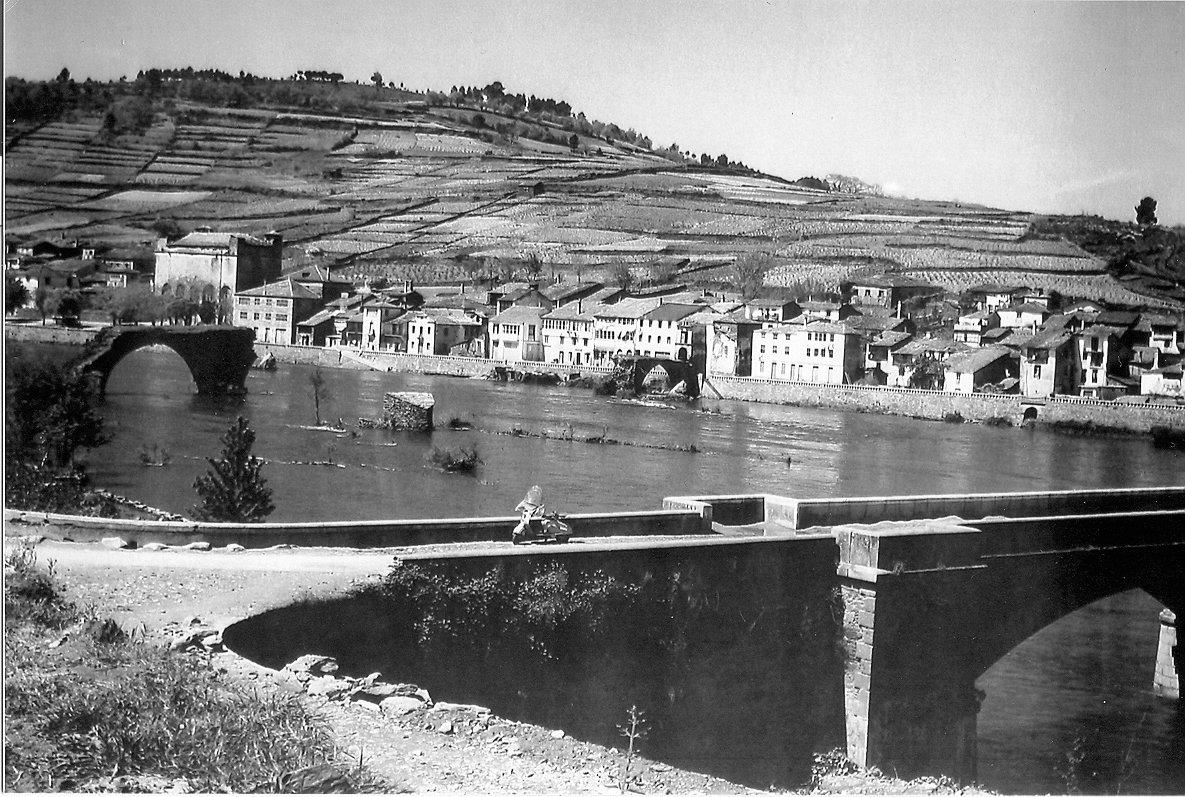 Foto de la antigua villa de Portomarín antes de ser trasladada de lugar